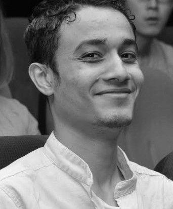 عمر جمعة  Headshot