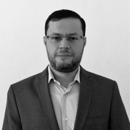 عمر شريف الموسى Headshot