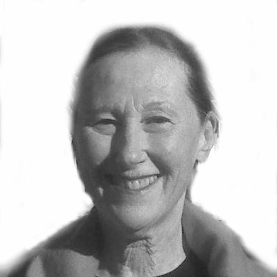 Pam Blackfield Headshot