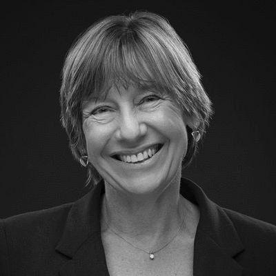 Pam Grossman Headshot