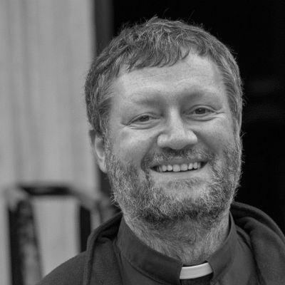 Pater Oliver Potschien Headshot