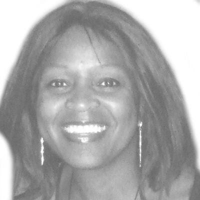 Patricia Knight Headshot