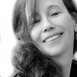 Patricia Zohn Headshot