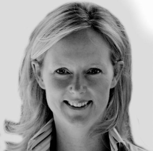 Paula Pyne Headshot