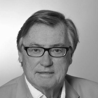Dr. -Ing. Peter Grassmann Headshot