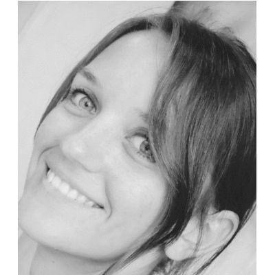 Petra Neumann Headshot
