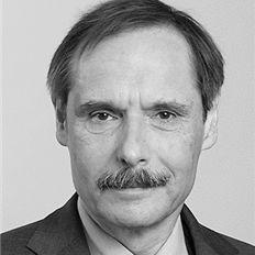 Prof. Dr. Georg Cremer Headshot