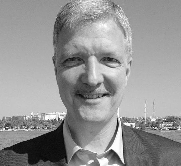 Prof. Dr. Wolfgang Gieler Headshot