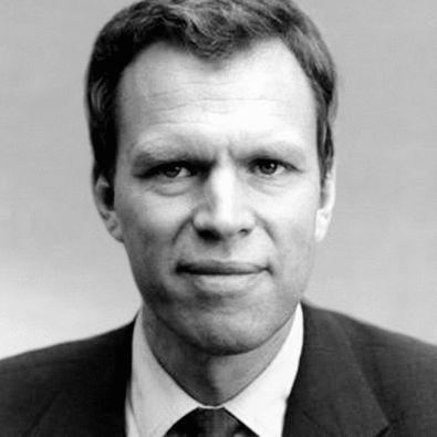 Prof. Dr. Wolfgang Maennig Headshot