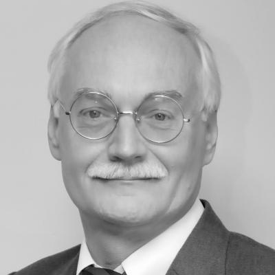 Professor Maurits van Rooijen