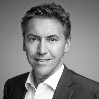 Dr. Ralf Gräßler Headshot