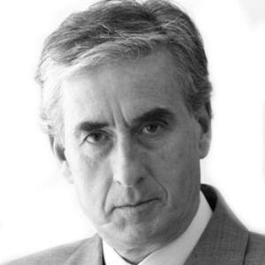 Ramón Jáuregui Headshot