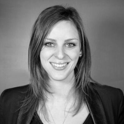 Rebecca Hiscott Headshot