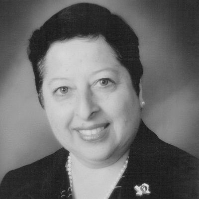 Dr. Rebecca Palacios Headshot
