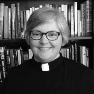 Rev. Martha Spong Headshot