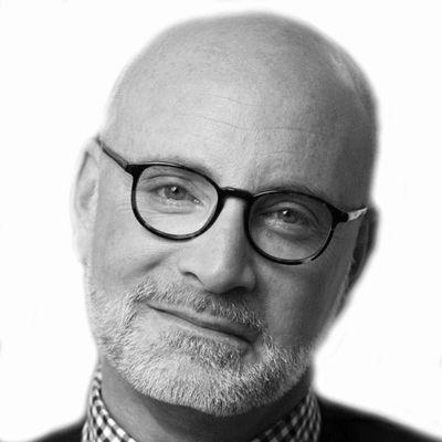 Robert Weiss Headshot