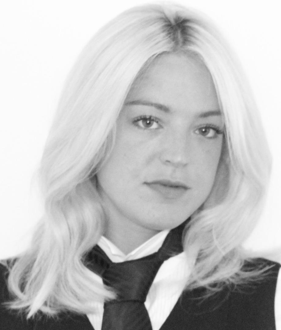 Robyn Harper Headshot