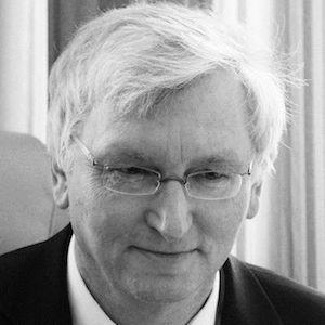 Dr. Roland Franke Headshot