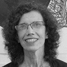 Roslyn Bernstein Headshot