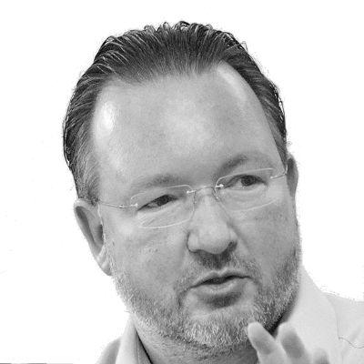 Rüdiger Frank Headshot