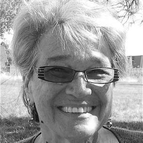 Ruth Neubauer Headshot