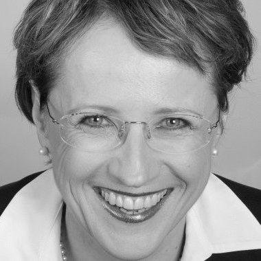 Ruth Steinert Headshot