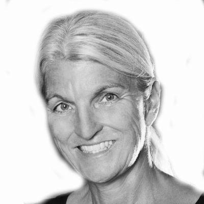 Sabine Ludwig Headshot