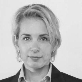 Sabine Magenn Headshot