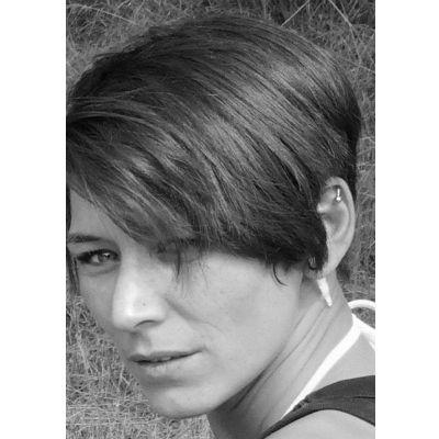 Sabrina Tophofen Headshot