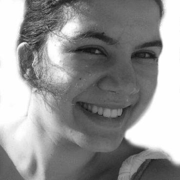 Salma Hamri Headshot