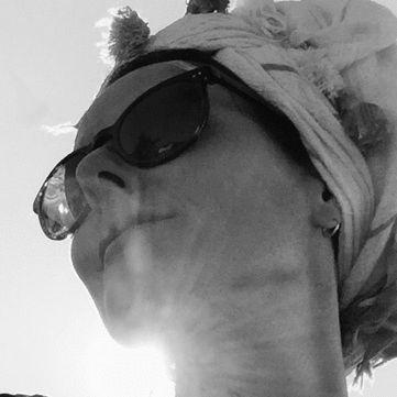Sandra Genzel Headshot