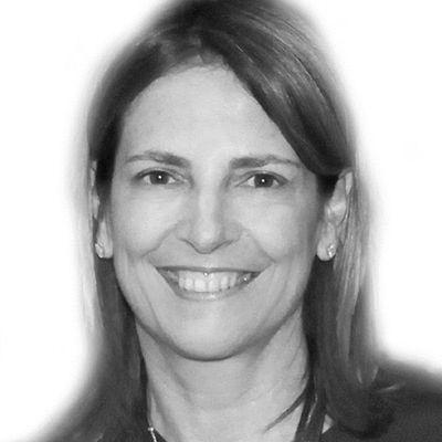 Sandra Marinopoulos Headshot