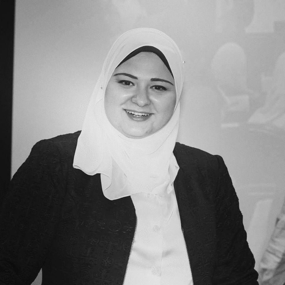 سارة فوزي أحمد   Headshot