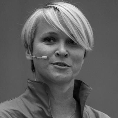Sarah Noble Headshot