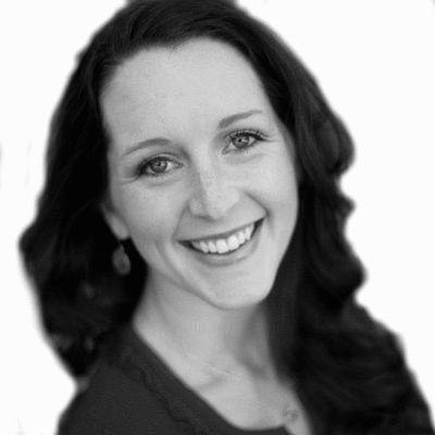 Sarah Powers Headshot