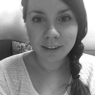 Sarah Robertson Headshot