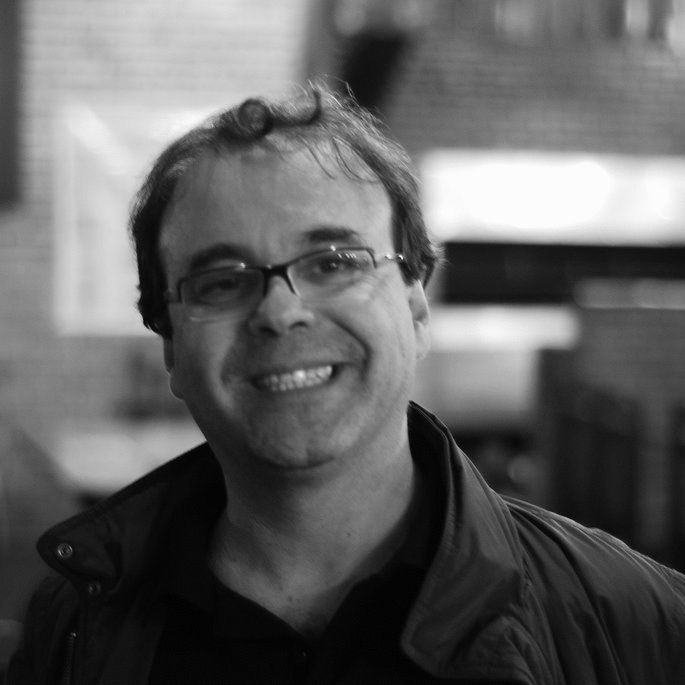 Sérgio Amadeu Headshot