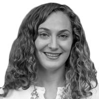 Shana Ecker Headshot