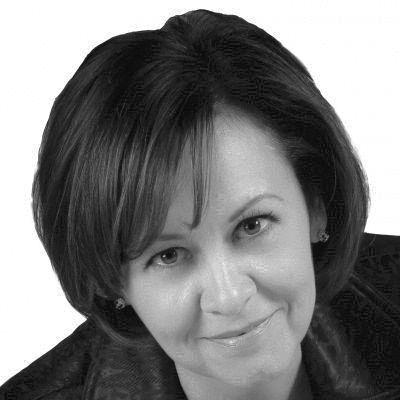 Shannon Skinner Headshot