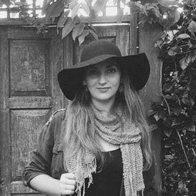 Shannon Ullman Headshot