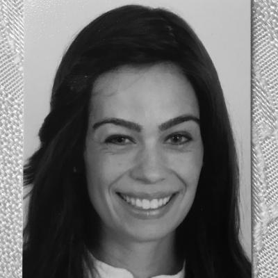 Sharon Schurder Headshot