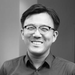 江口晋太朗 Headshot