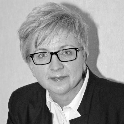 Silke Liebig-Braunholz Headshot