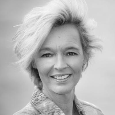 Silke Schäfer Headshot