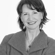 Silvia Ziolkowski Headshot