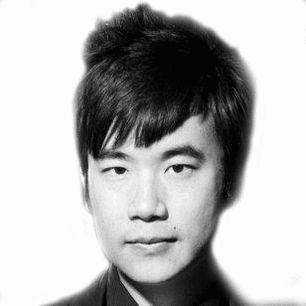 Simon Tam Headshot