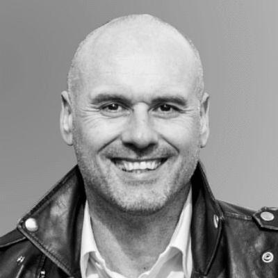 Stefan Dederichs Headshot