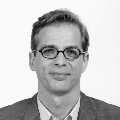 Stefan Liebich Headshot