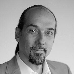Stefan Wegner Headshot