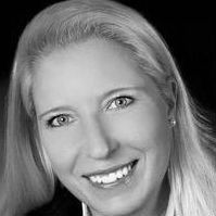 Stefanie Giesselbach Headshot